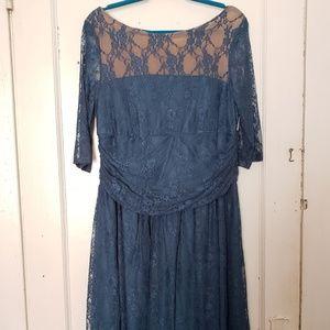 Kiyonna teal lace overlay 3/4 sleeve dress